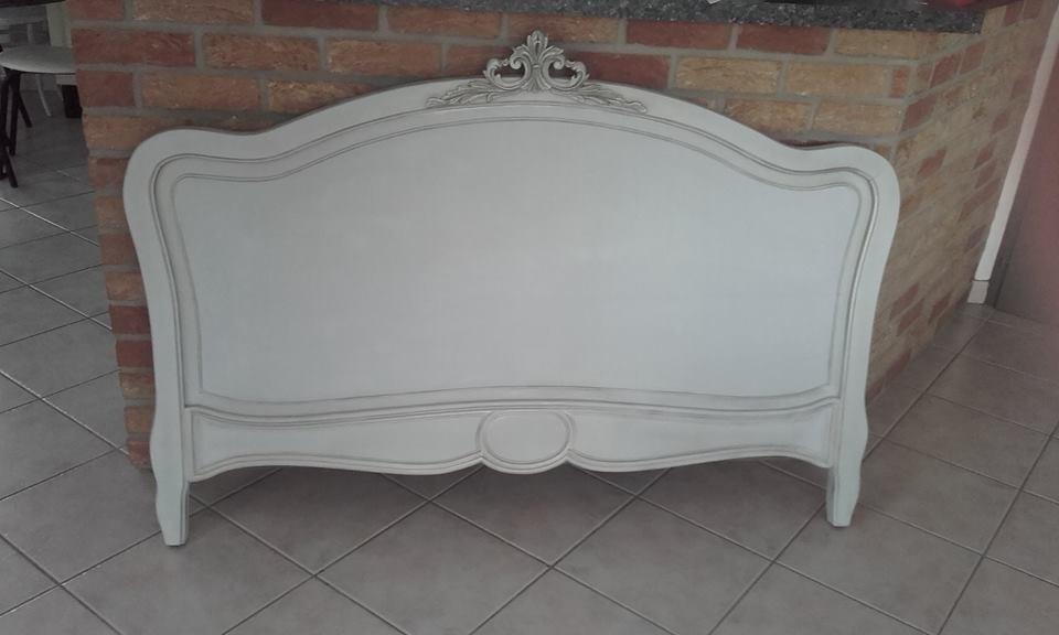 Une banale t te de lit relook e en style rocaille blog z dio - Peindre une tete de lit ...