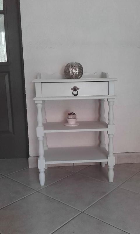 petit meuble t l phone rustique relook en shabby chic blog z dio. Black Bedroom Furniture Sets. Home Design Ideas