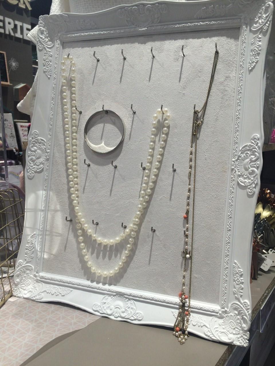bonne fete maman : un cadre à bijoux (blog zôdio)