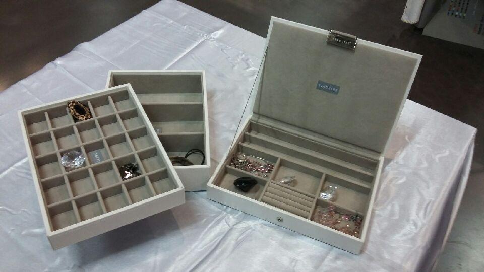 J'ai choisi pour ma maman une boîte à bijoux Stackers !