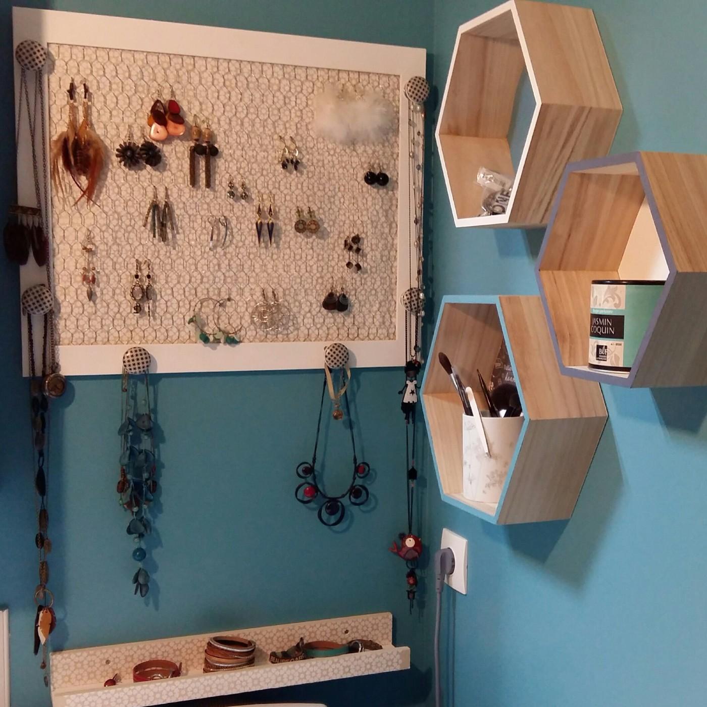 mon porte bijoux 100 diy blog z dio. Black Bedroom Furniture Sets. Home Design Ideas