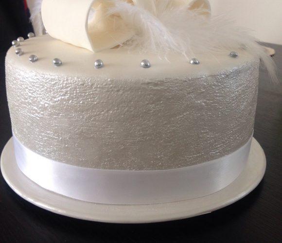 Gâteau chic pour une soirée «chic et choc»