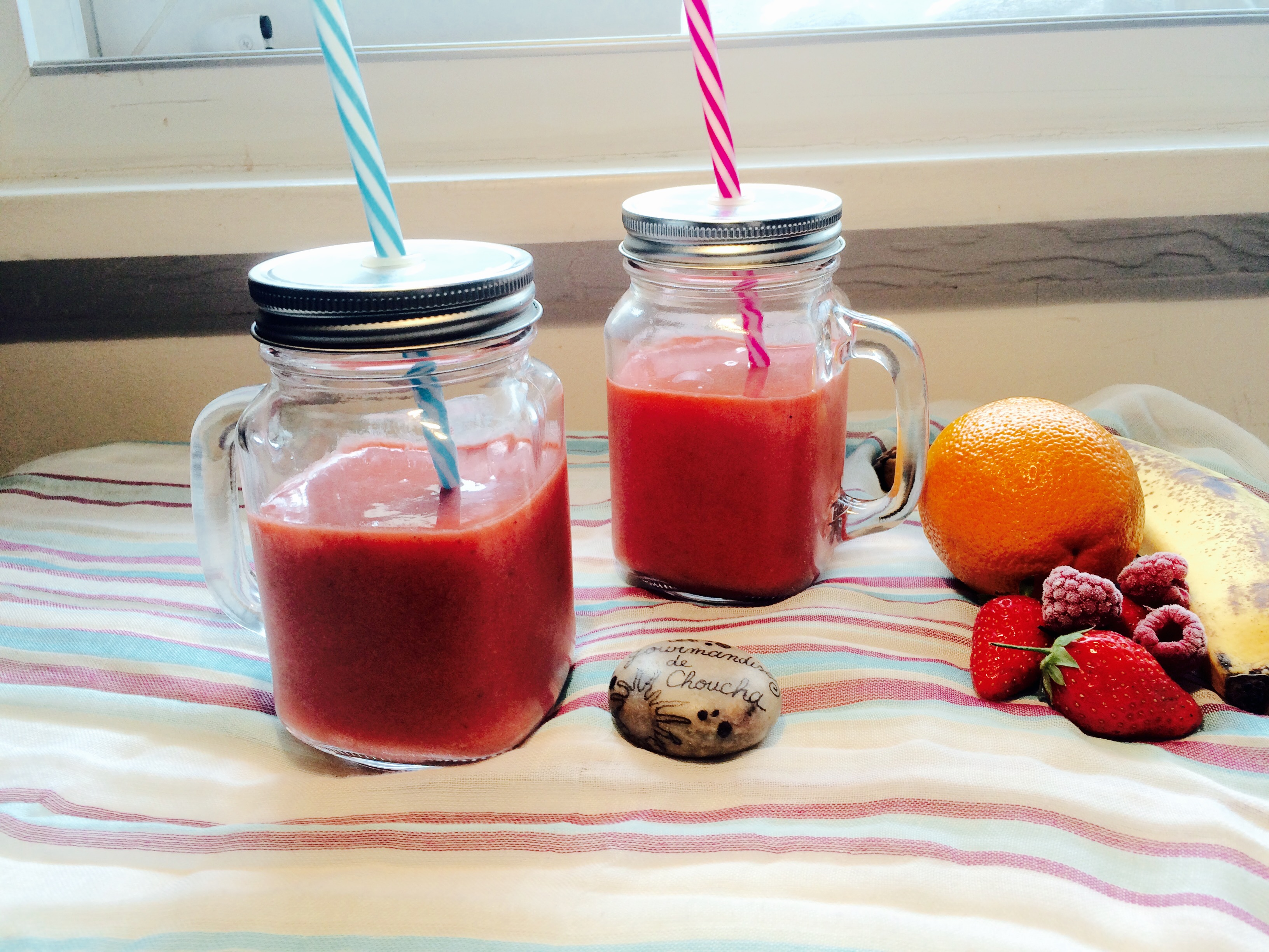 smoothie orange pomme banane framboises et fraises blog z dio. Black Bedroom Furniture Sets. Home Design Ideas