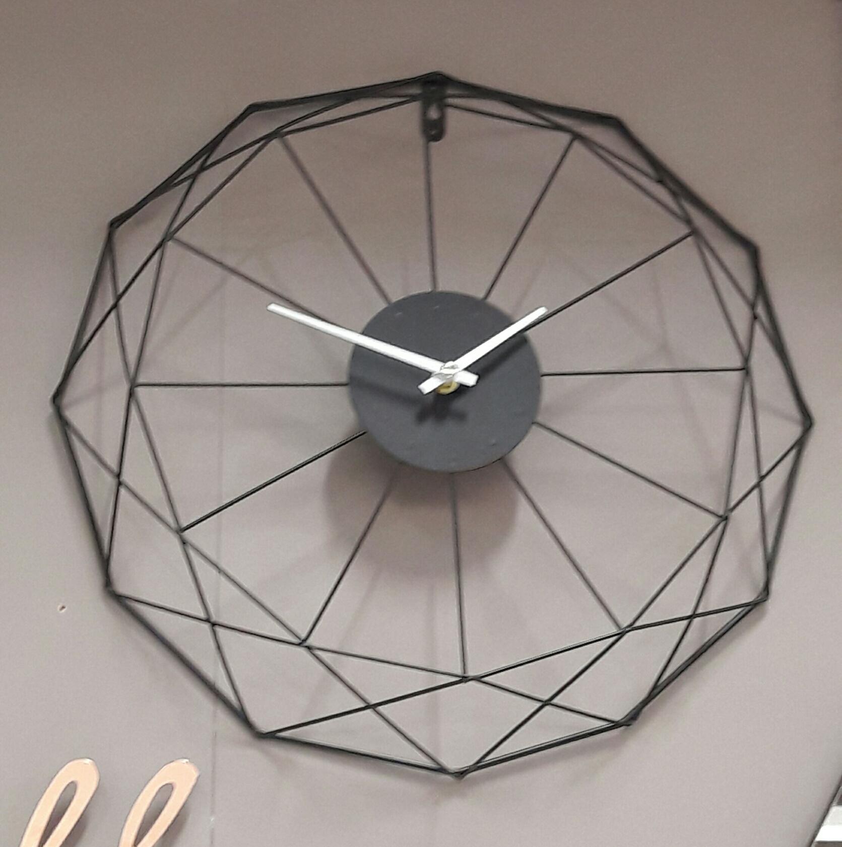 J 39 ai test pour vous l 39 horloge filaire noire z dio blog for Horloge zodio