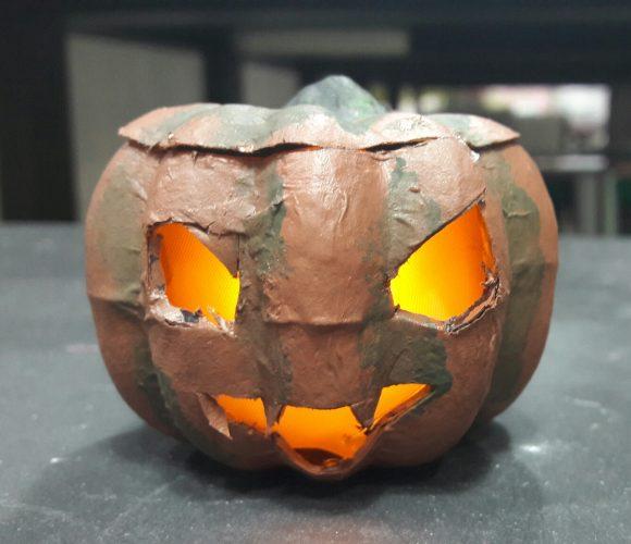 Une citrouille d'Halloween «tout feu tout flamme» :D