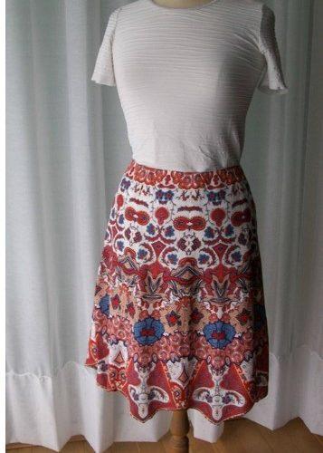 Confectionnez votre jupe sur mesure à 6 panneaux à Zodio Massy