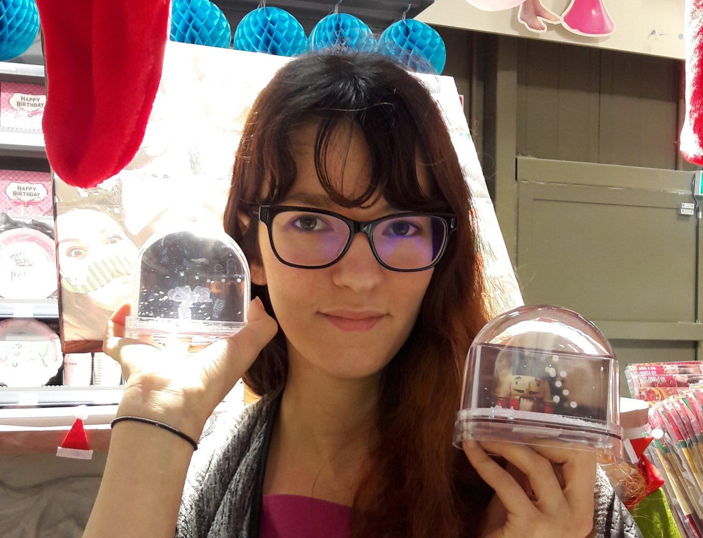 J'ai chosi pour ma meilleure amie, deux boules à neige personnalisables