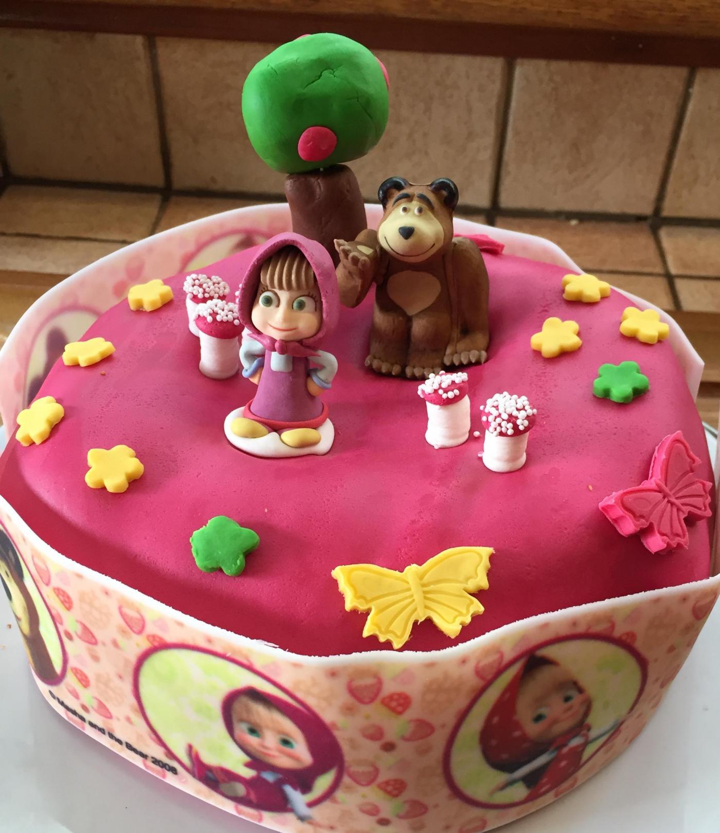 Gâteau d'anniversaire Masha et Michka