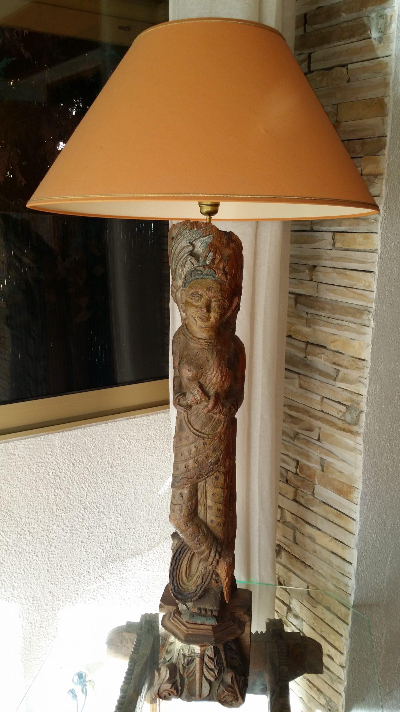 Transformer un corbeau d'haveli / Inde du Nord en lampe