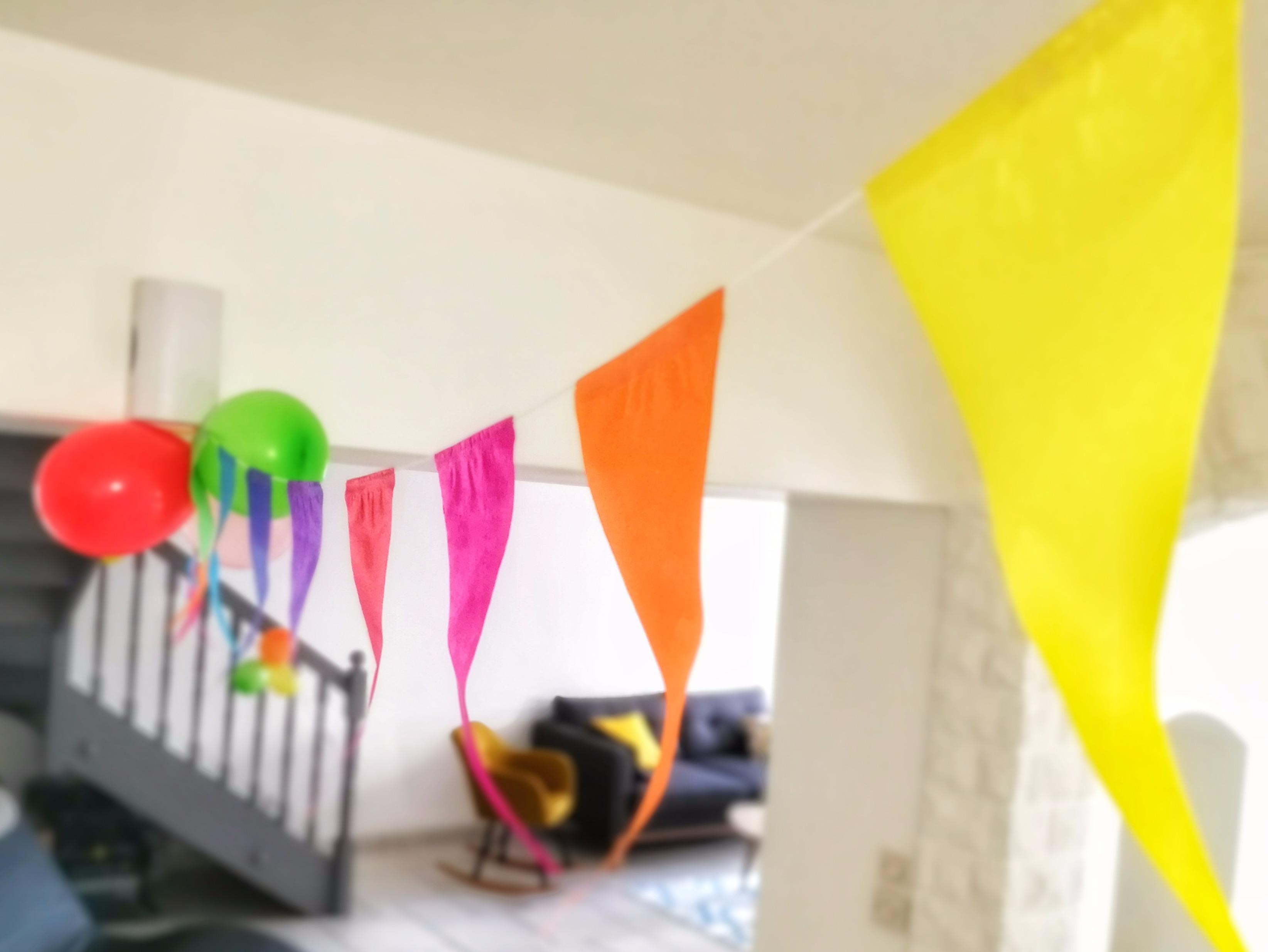 Une fête d'anniversaire sous les couleurs de l'arc-en-ciel