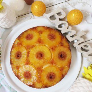 Gâteau à l'ananas caramélisé et à la vanille