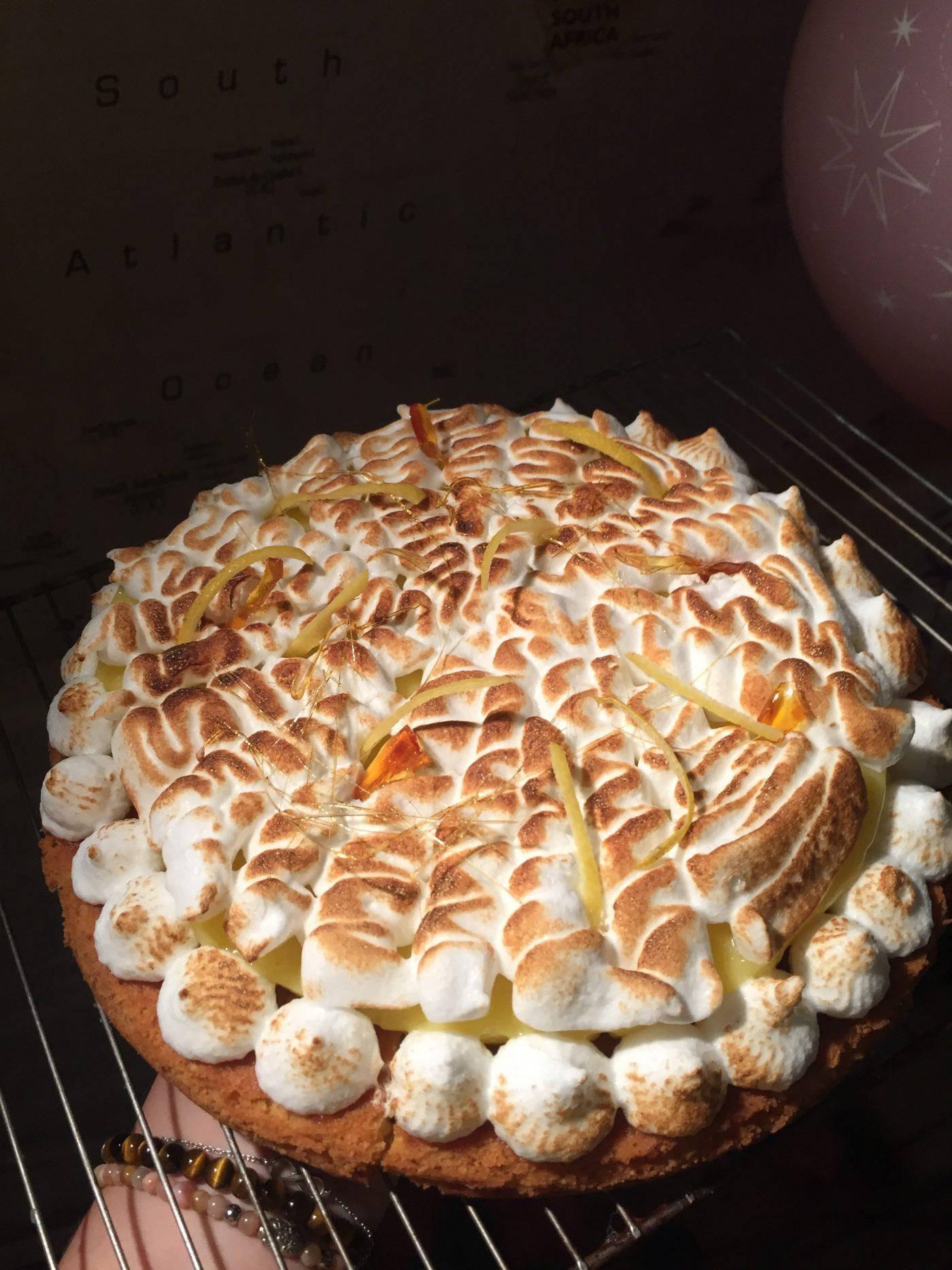 Tarte au citron meringuée revisitée, sur biscuit breton !