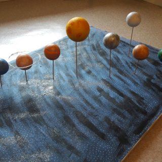 Systeme solaire d'après Nathan et Edouard.....