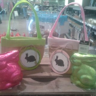 Petits sacs pour aller chercher les oeufs de Pâques!