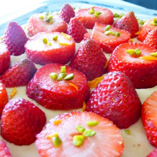 Sablé breton, crème caramelle et fraises . . .