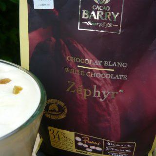 J'ai testé pour vous zéphir, le chocolat blanc de couverture de chez Cacao Barry, sac de 1 kilo  (pour la recette de la mousse au chocolat blanc et aux raisins macérés au rhum c'est par ici  http://www.mesinspirationsgourmandes.fr/2017/04/14/mousse-au-chocolat-blanc-et-raisins-au-rhum/  )