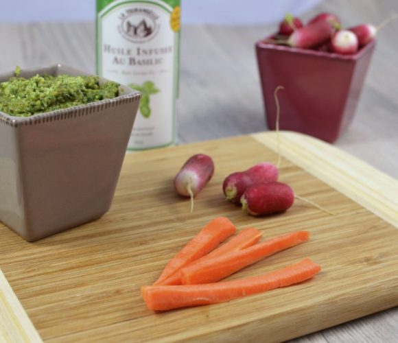 Pesto de fanes de radis et dips de légumes