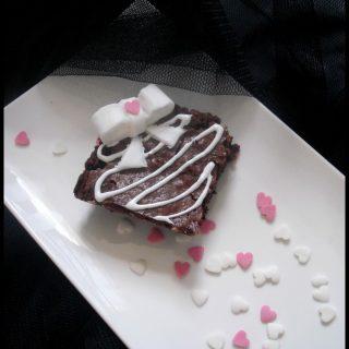 Brownie au chocolat noir et éclats de pralin
