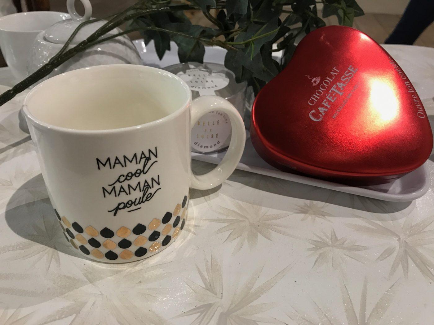 J'ai choisi pour ma Maman un joli mug et des chocolats !