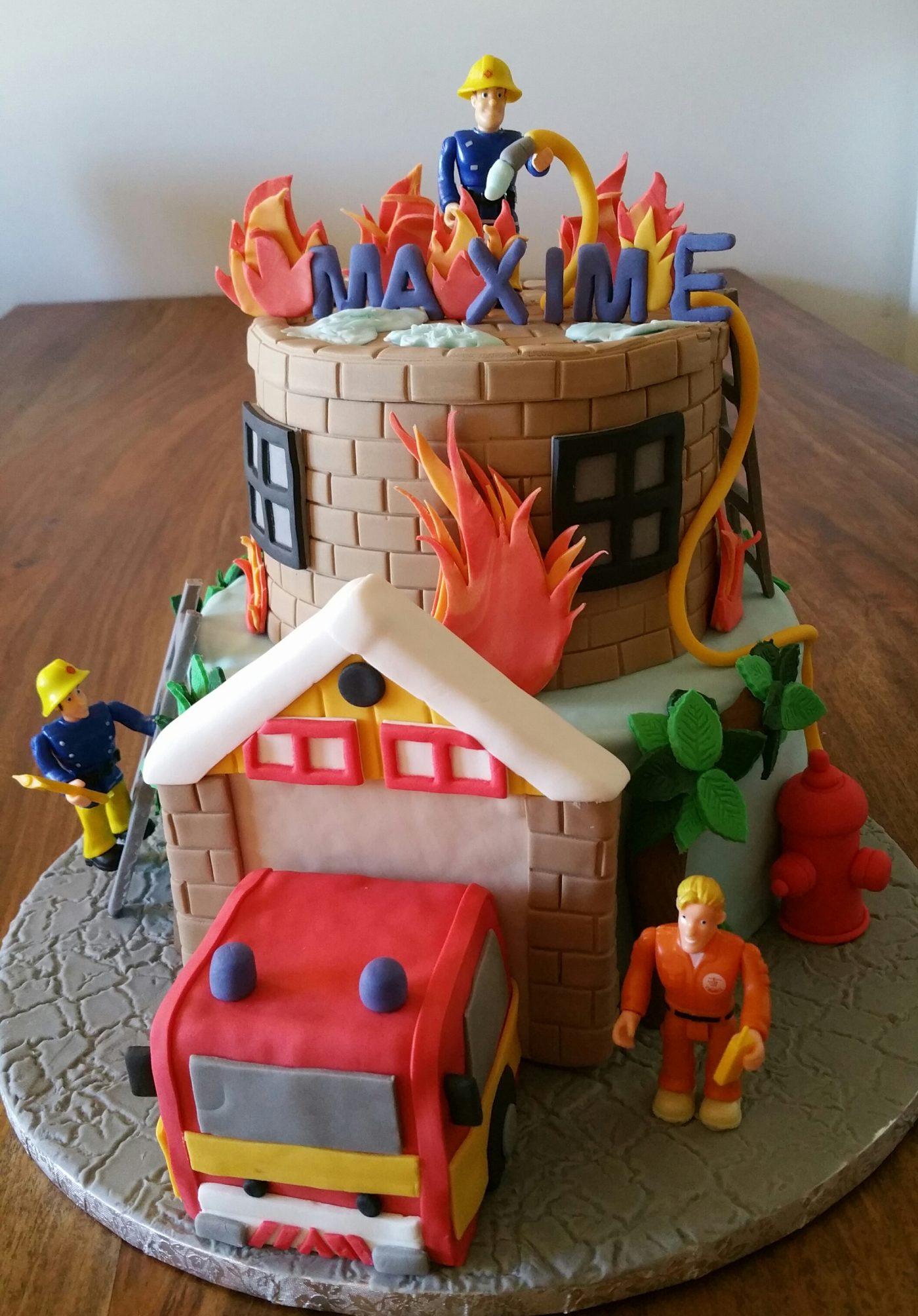 gateau sam le pompier blog z dio. Black Bedroom Furniture Sets. Home Design Ideas