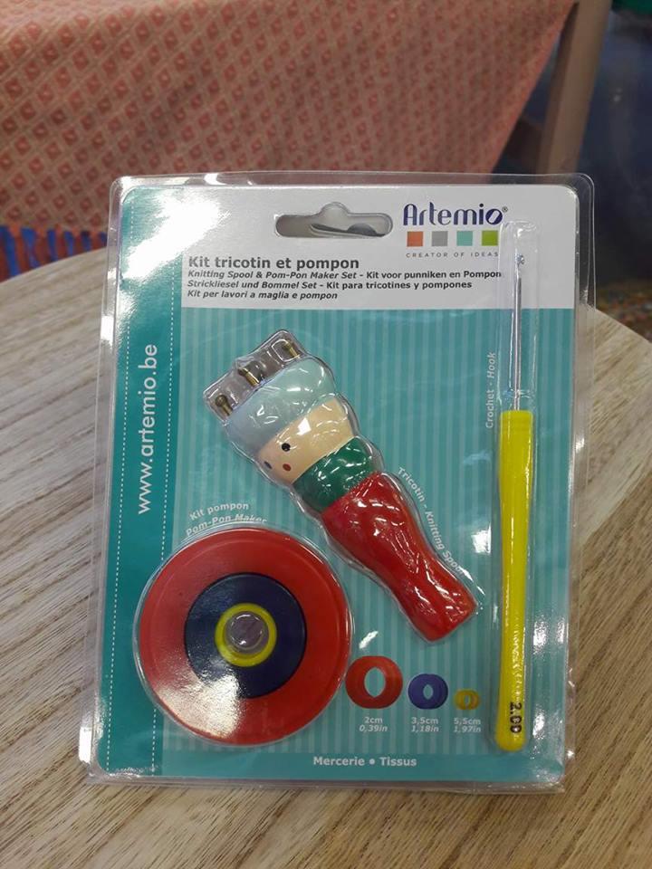 J'ai testé pour vous le kit TRICOTIN + POMPON pour enfants de ARTIMIO