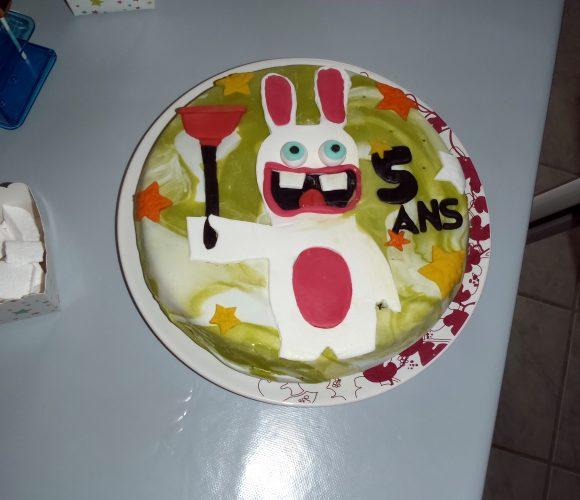 Gâteau d'anniversaire LAPIN CRETIN