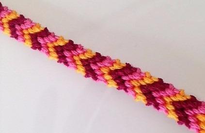 Comment faire un bracelet brésilien en chevron ?