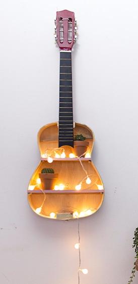 Tuto : transformer une guitare en étagère originale