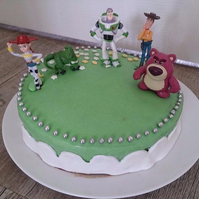 Décorer des gâteaux d'anniversaire