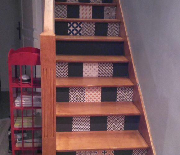 J'ai testé pour vous l'adhesif pour relooker mon escalier