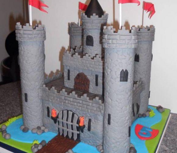 Pas de château de sable mais un château fort :-) – Castle cake