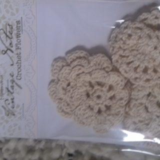 J'ai testé pour vous fleurs crochet vintage rayon scrapbooking