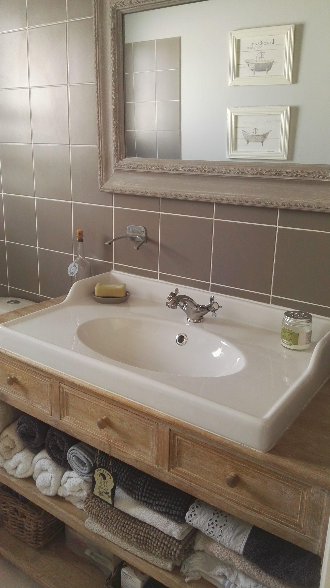 Meuble En Palette Salle De Bain console transformée en meuble de salle de bains (blog zôdio)