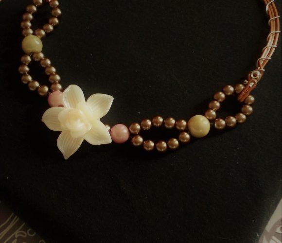 Un collier fleur