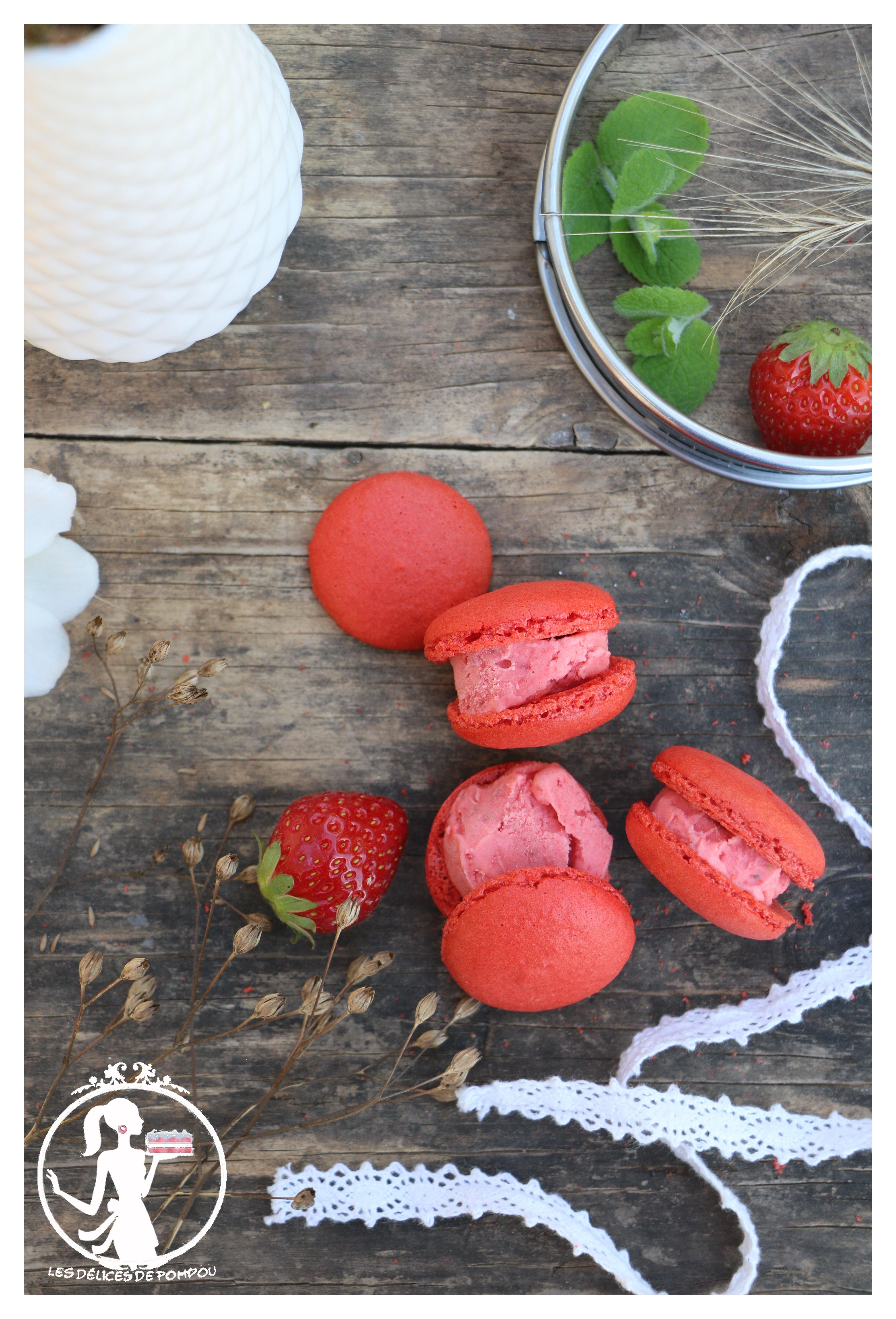Macarons glacés à la fraise