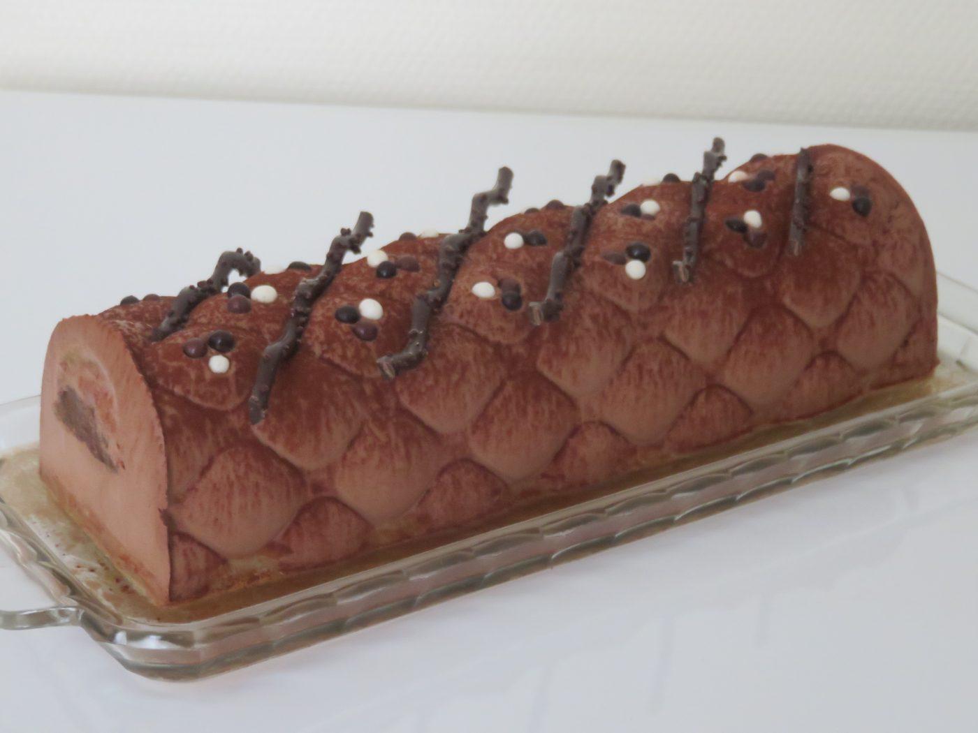 BUCHE BAVAROISE AU CHOCOLAT ET A LA MANDARINE