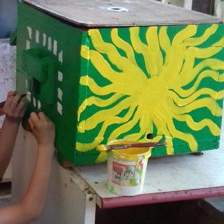Atelier peinture de ruches ce week end🐝🐝🐝