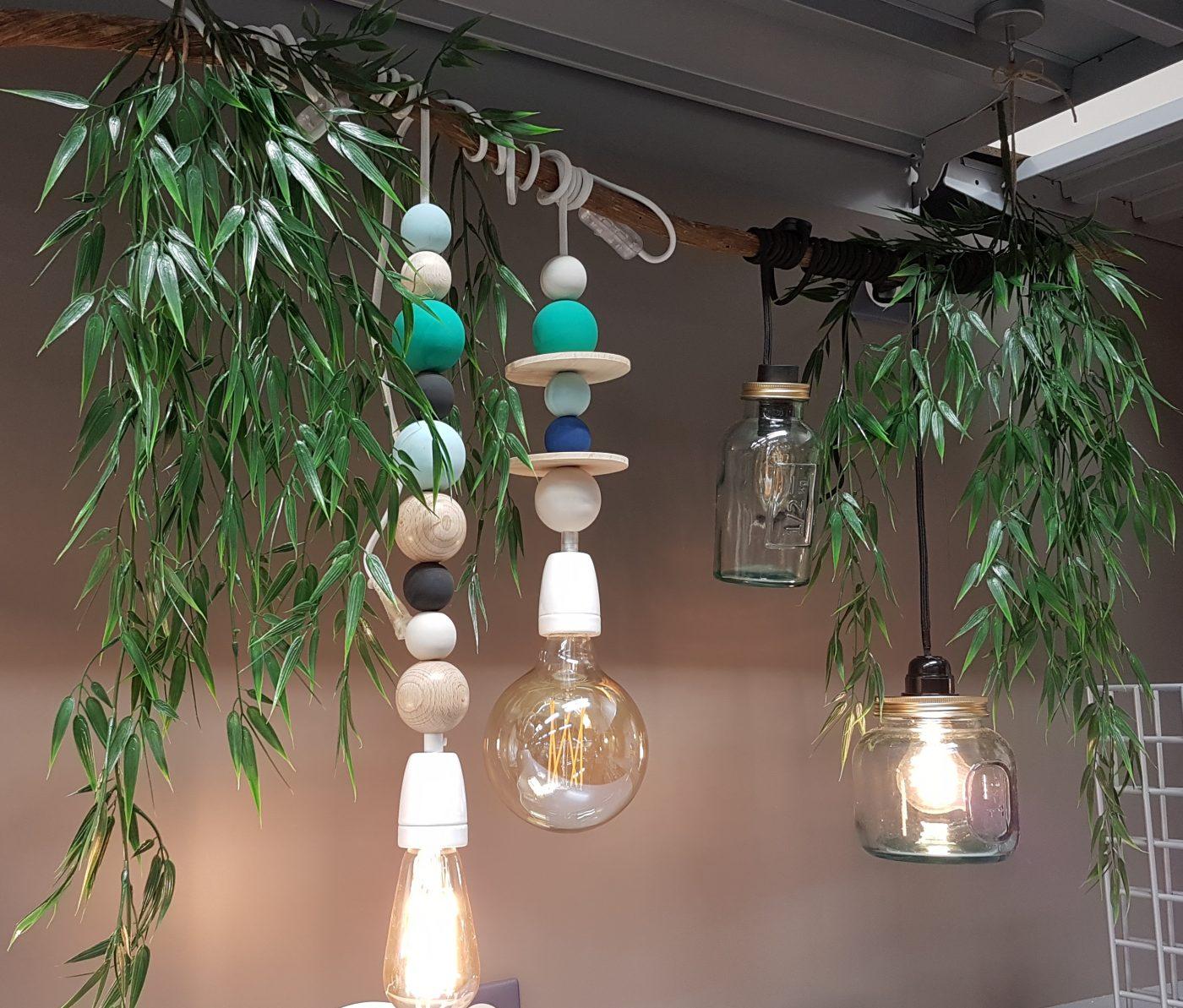 Luminaire boules en bois