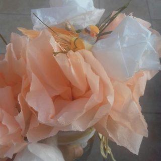 Fleurs de papiers crépon soie et pailles💐