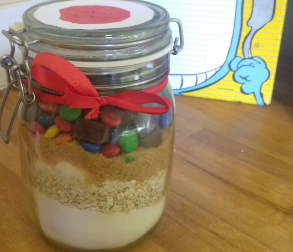 Préparation Cookies smarties chocolat prête à offrir avec Gaïa 7 ans?