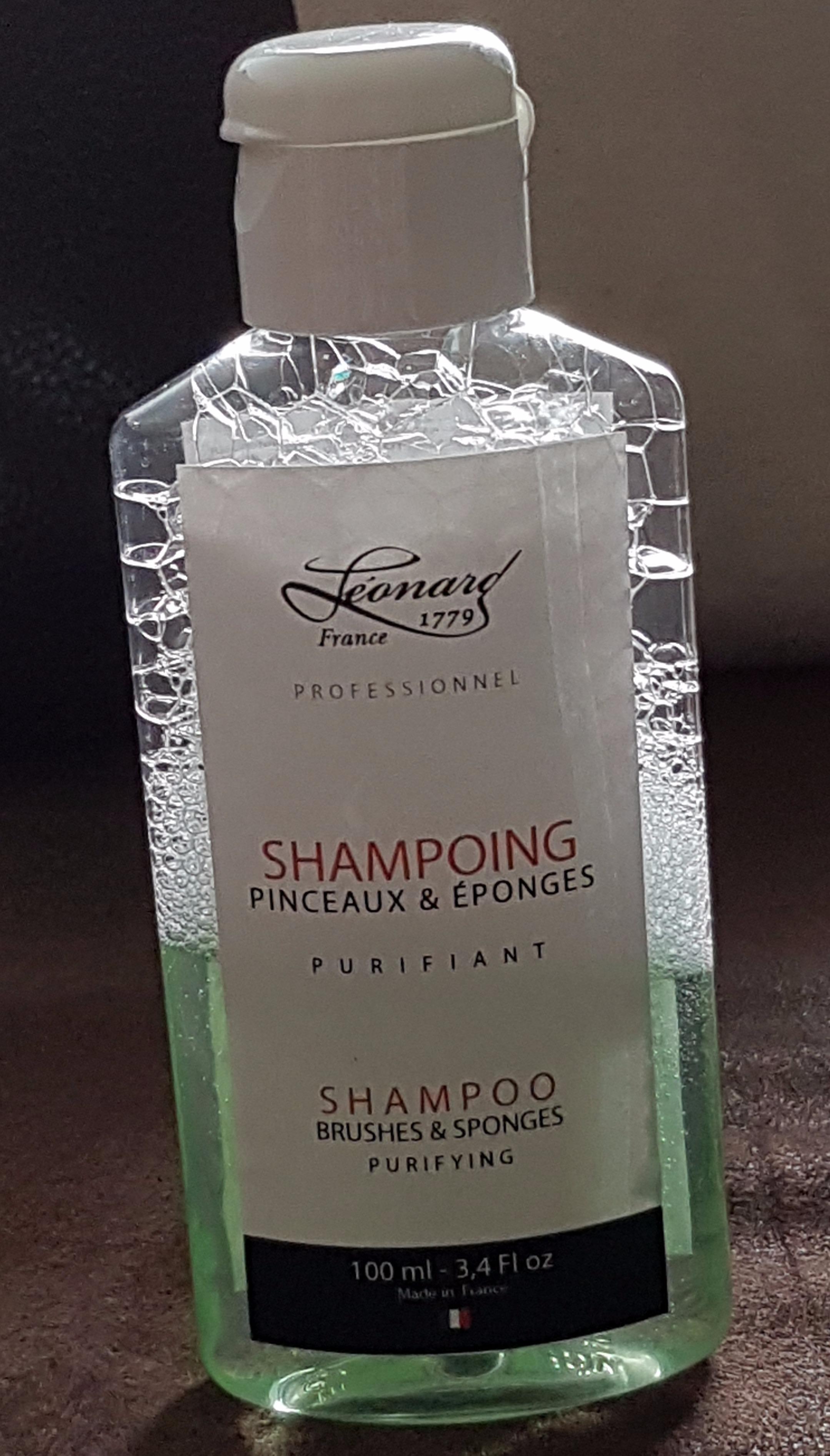 J'ai testé pour vous le shampoing pour pinceaux et éponges PURIFIANT de Léonard