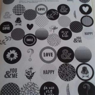 J'ai testé pour vous la planche x2 stickers ronds Black White love Artemio