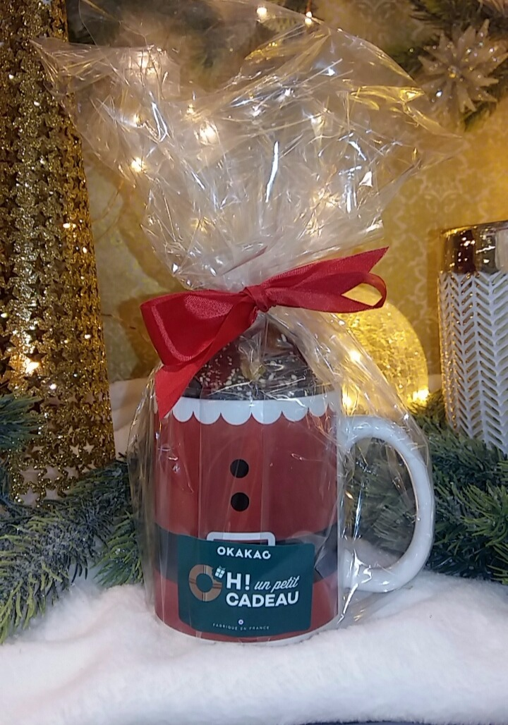 J'ai choisi d'offrir un Mug garni de chocolats à mon copain !
