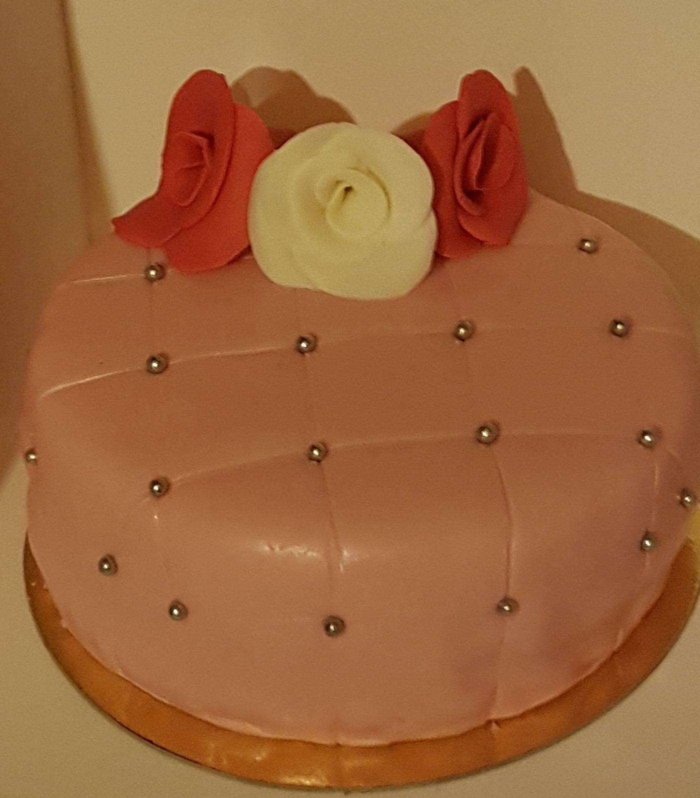 Gâteau matelassé rose