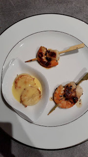 brochettes de crevettes et saint jacques mariné à l'ail et au citron