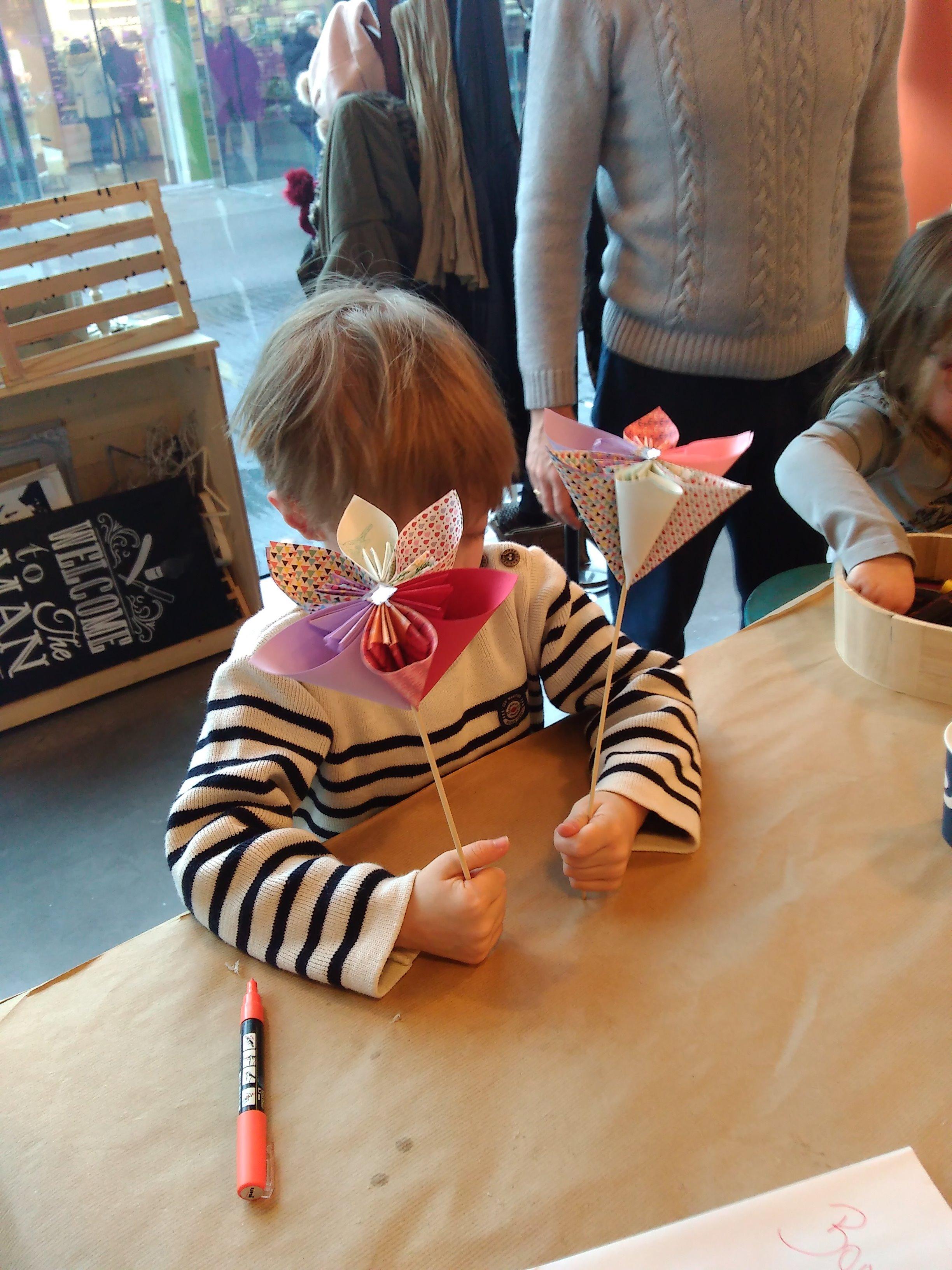 Merci à Laura pour l'atelier origami pour la fête des mamies