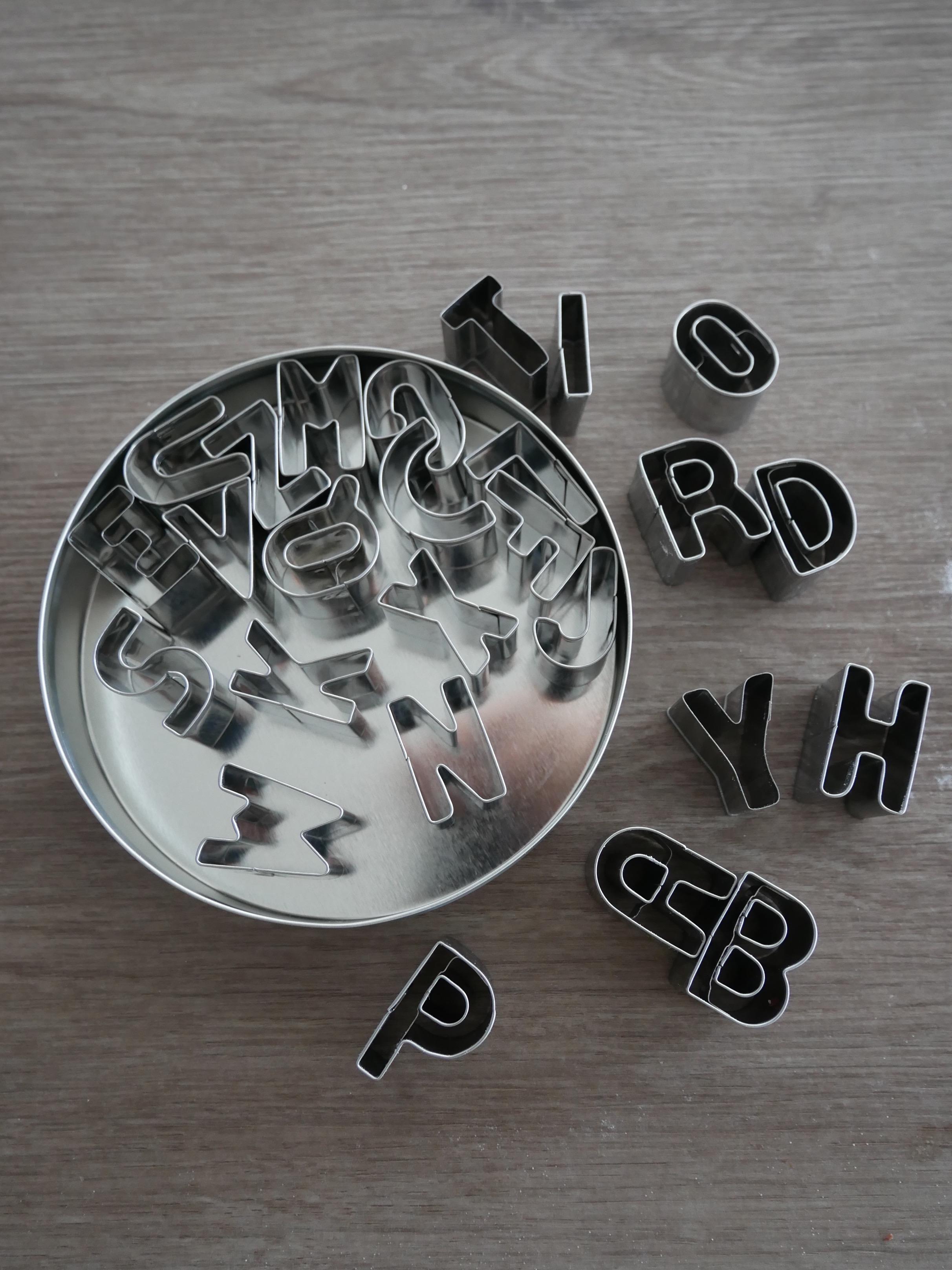 J'ai testé pour vous set de 26 emporte-pièces alphabet en inox 2,5cm Ref : 10121242
