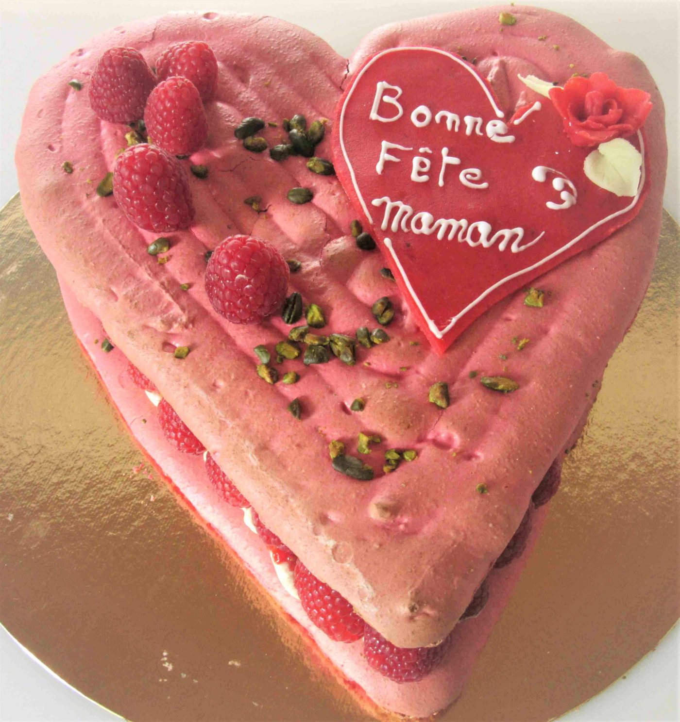 Fêtes des Mamans ! et si vous lui faisiez son gâteau ... Macaron framboise et sa délicieuse mousseline à la vanille
