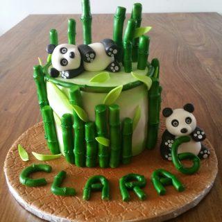 Pandas cake design