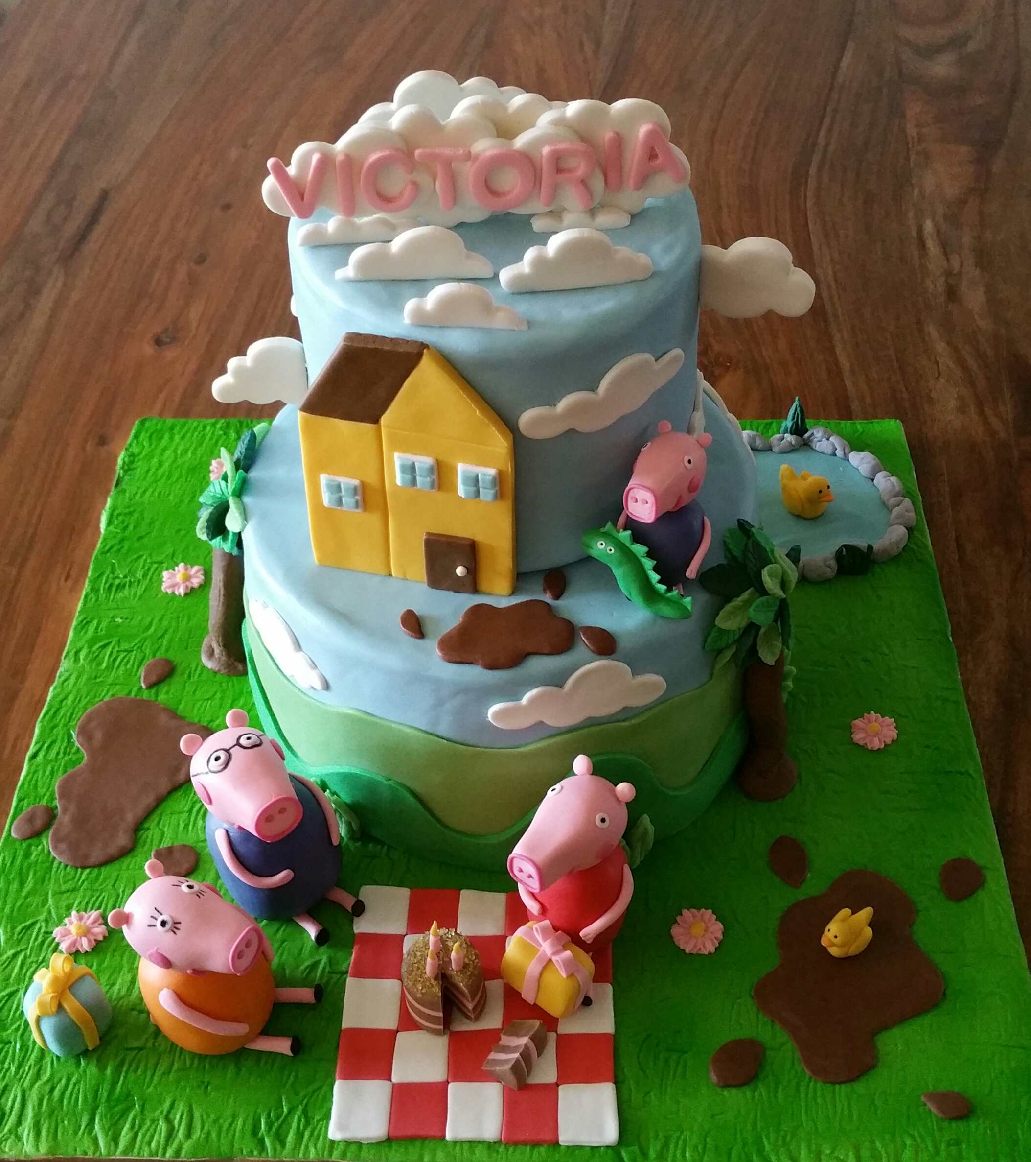 Peppa pig cake design